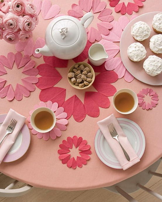 Come decorare il tavolo per San Valentino in stile shabby chic (FOTO)
