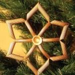 Idee albero di Natale fai da te: decorazioni in pasta secca stella dorata
