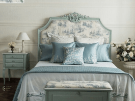 Letto provenzale: in legno azzurro