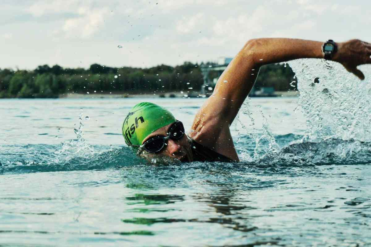 Swim to the mainland