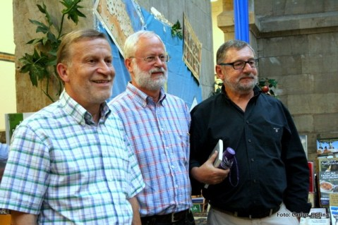 Xuan Xosé Sánchez Vicente, Roberto González-Quevedo y Vicente García Oliva