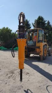 Mlot hydrauliczny Arrowhead R70 Komatsu WB93 01