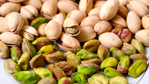 The 5 Best Nuts to Add To Your Diet