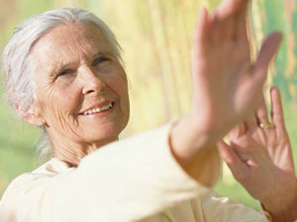 tai chi qigong prevenzione delle cadute negli anziani ars magna