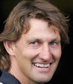 Tony Adams shows he knows more about Wenger than the media