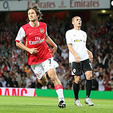 Tomas Rosicky opened the scoring with a very Pires-like finish