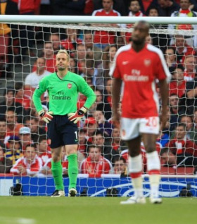 Almunia and Djourou know the game is beyond them