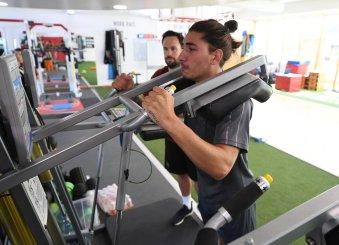Hector Bellerin in training