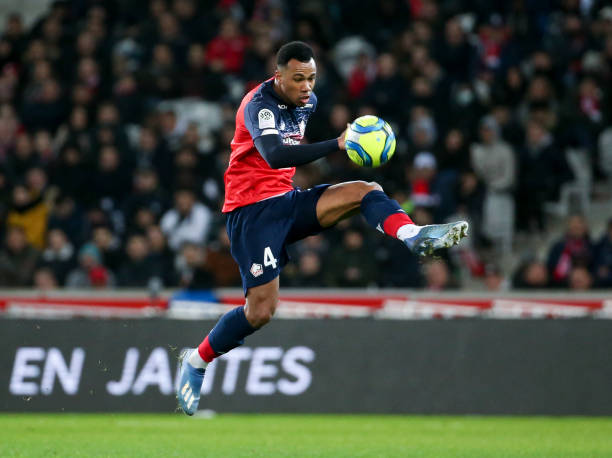 Arsenal sign Brazil defender Gabriel from Lille for €30m