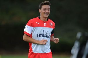 Ozil criticism wrong says WEnger