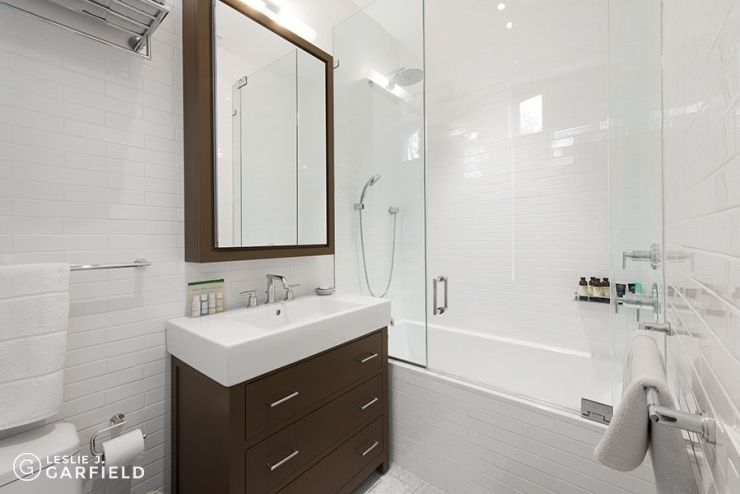 Hicks Street Bathroom