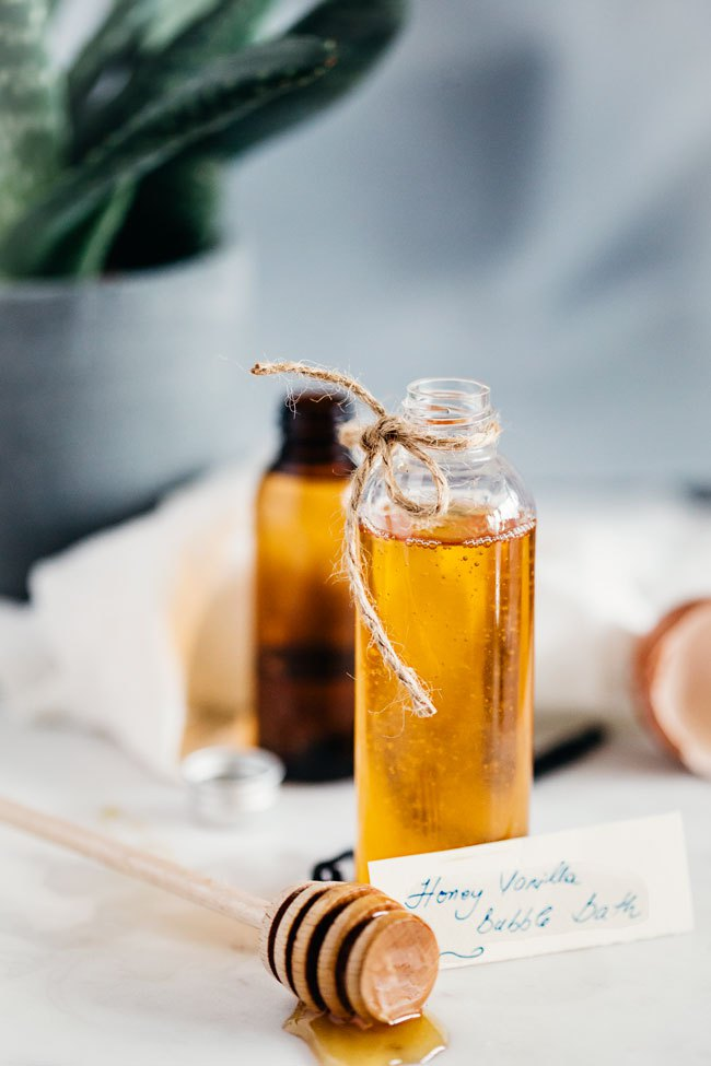 Homemade Honey Vanilla Bubble Bath