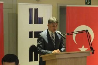 Belçika İslam Federasyonu Başkanı Ekrem Şeker:  Dini yaşamak sadece özel hayata hapsedilmek isteniyor