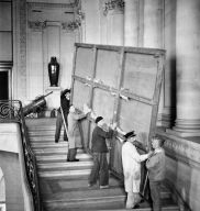 "Delacroix's ""Liberty leading the people"" being removed from the Louvre Museum for its protection"