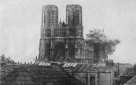 Explotions in the roof of Reims Cathedral during 1914 bombings