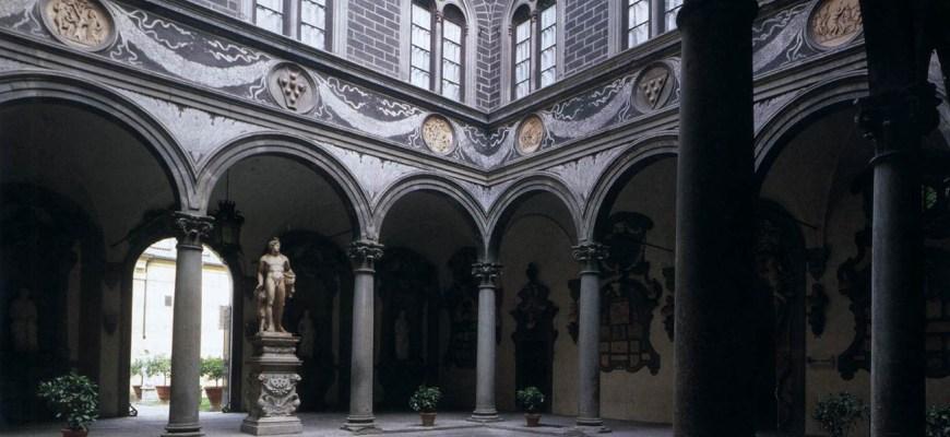 Микелоццо ди Бартоломео Микелоцци, двор, палаццо Медичи, Флоренция, 1445-60.