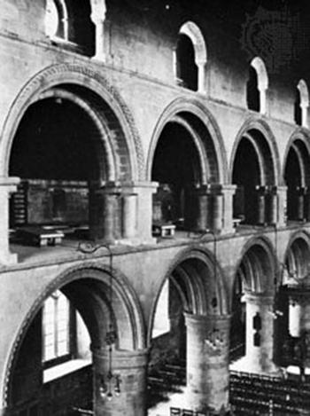 Романский архивольт над сводами нефа Саутуэлл Минстер, Ноттингемшир, Англия, середина 12-го века