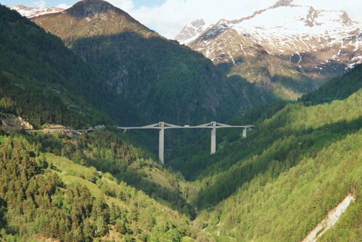 Мост Гантера (Ganterbrücke), Симплон Пасс, Вале, Швейцария, проект Кристиана Менна, 1980.