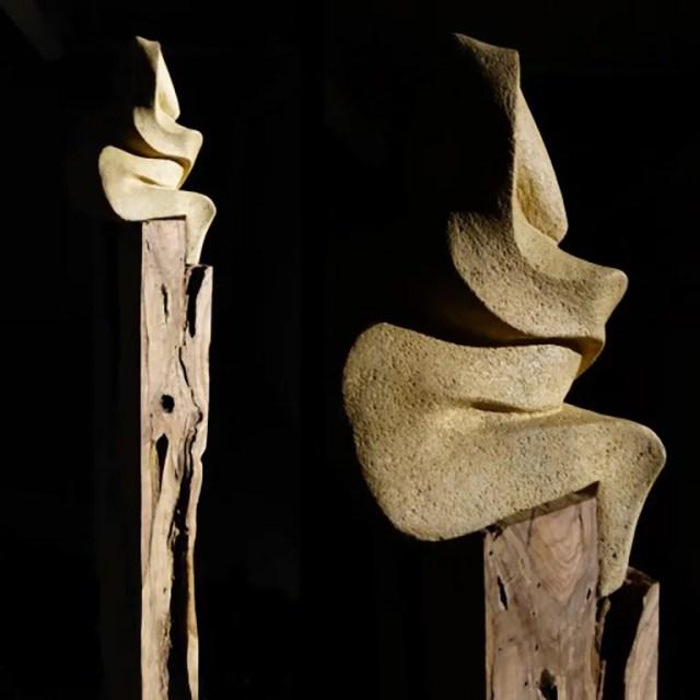 L'instant éternel 1 - Sculpture en Calcaire de Lacoste et bois d'olivier - Carole Kohler (c)