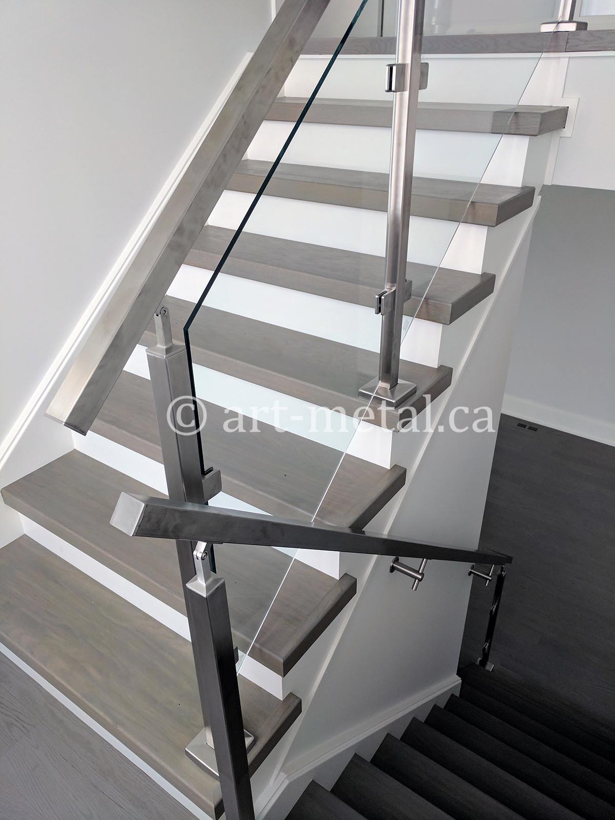 Buy The Best Stainless Steel Glass Railing System In Toronto