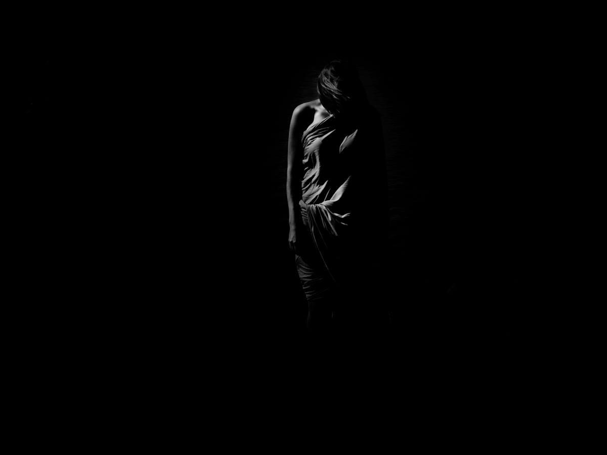 Фотовиставка Маріанни Глинської – зустріч з «Тінню», яку зазвичай обминають