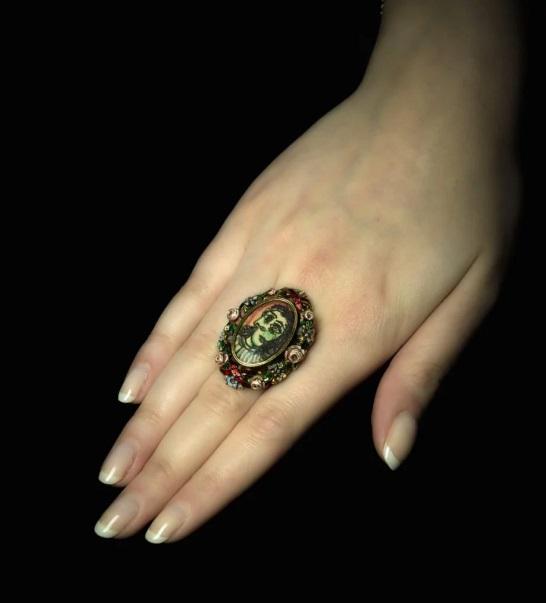 Sotheby's продаст кольцо Пикассо, предназначенное для его возлюбленной