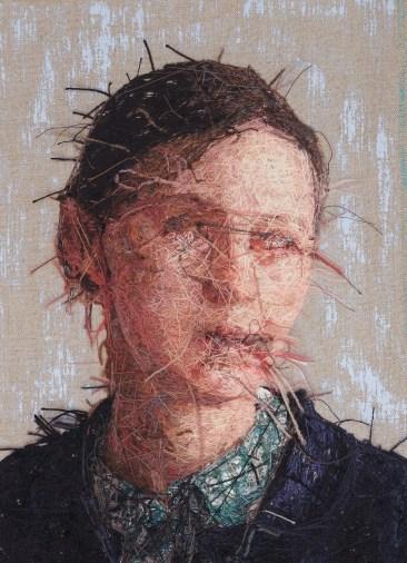 Художница создает гиперреалистичные портреты из пряжи 4