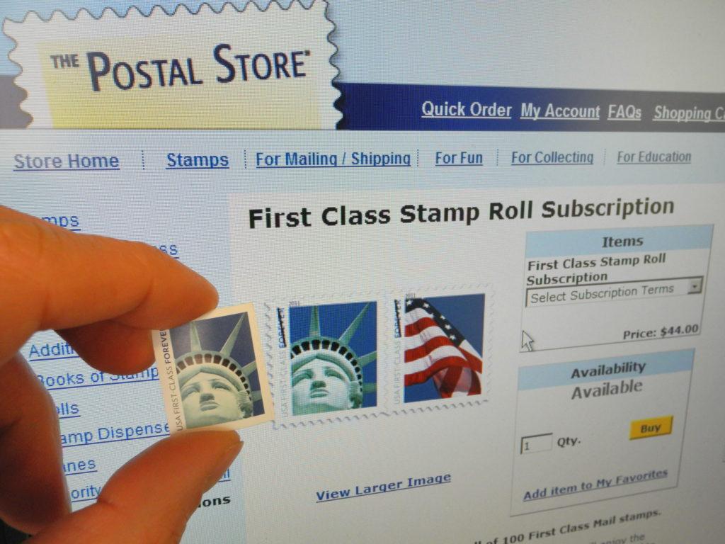 Почтовая служба выплатит художнику $3,5 млн из-за одной ошибки