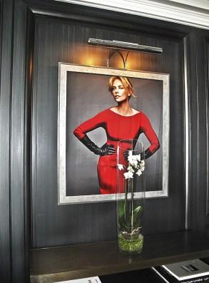 Nella Suite Christian Dior un ritratto di Charlize Teron
