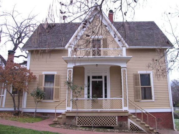 Beekman House