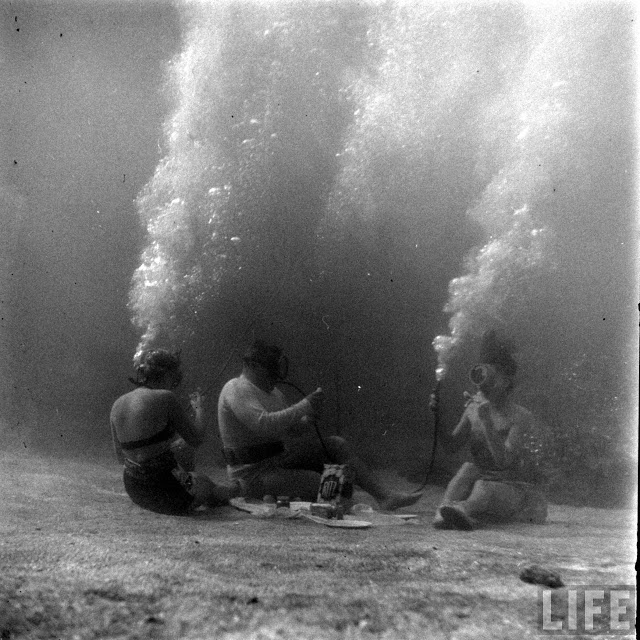 UnderwaterFashionShow2C1947281029