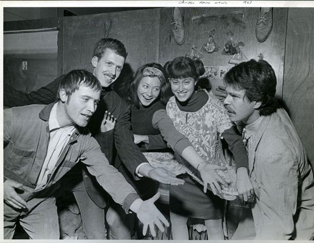 Karl Wirsum, Art Green, Gladys Nilsson, Suellen Rocca, Jim Nutt, 1967 (Photo by Charles Krejcsi)