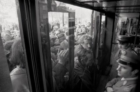 """Stanis?aw Kulawiak. """"Shoppers storm a new general store, Ostrzeszów,"""" 1986"""
