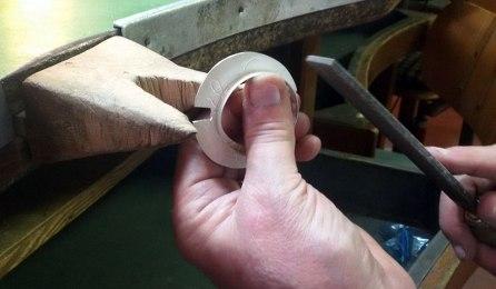 Filing the pendant edge