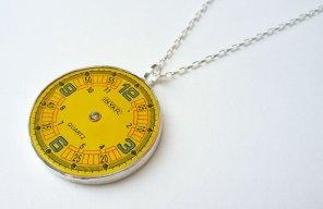 yellow-watch-pendant-art925