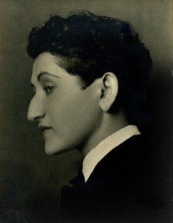 Skirball Cultural Center. Another Promised Land: Anita Brenner's Mexico. Tina Modotti, Anita Brenner, 1926. Photo Courtesy of The Whitliff Collections, Texas State University.