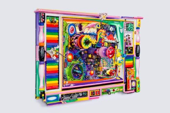 Kenny Scharf, BLOX and BAX. Honor Fraser Gallery. Televisione del Psychedelico. 2016. Mixed Media Assemblage. 24x39x9 inches. Photo Joshua White/JWPictures.com. Courtesy Honor Fraser Gallery.