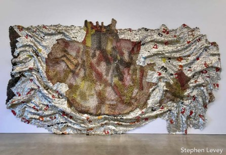 El Anatsui. The Marciano Art Foundation. Photo Credit Stephen Levey.