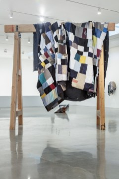 Quilt Gantry © Theaster Gates, Courtesy Regen Projects, Los Angeles