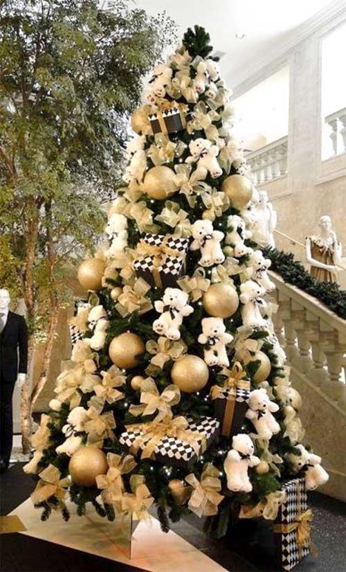 Adorable Teddy Bear Christmas Tree