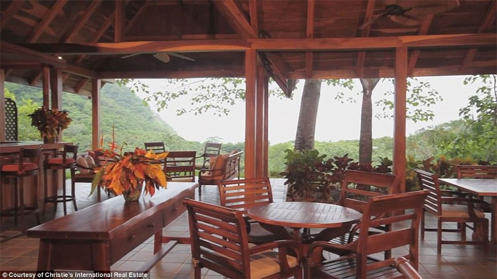 Mel Gibson's $30 Million Costa Rica Jungle Compound: Outdoor Patio