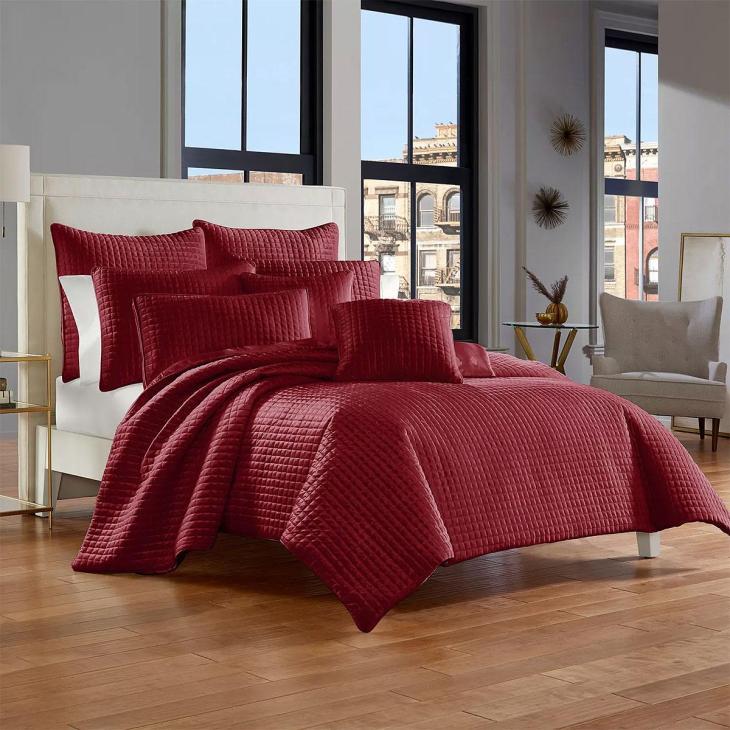 Garett Wine Bedroom Set