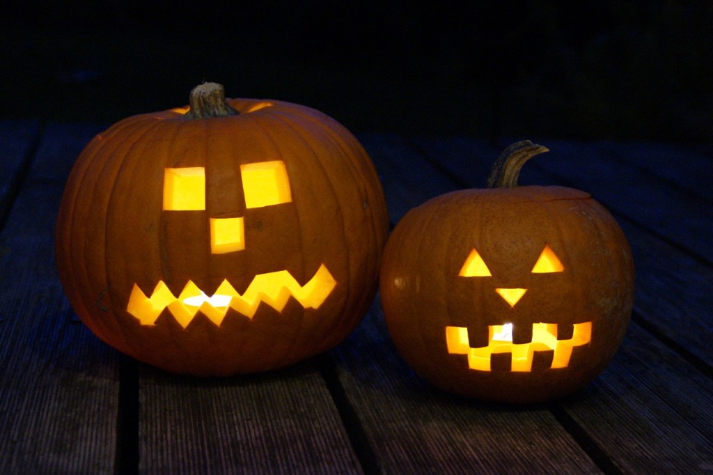 Halloween Pumpkin Carving Ideas | Simple Carving