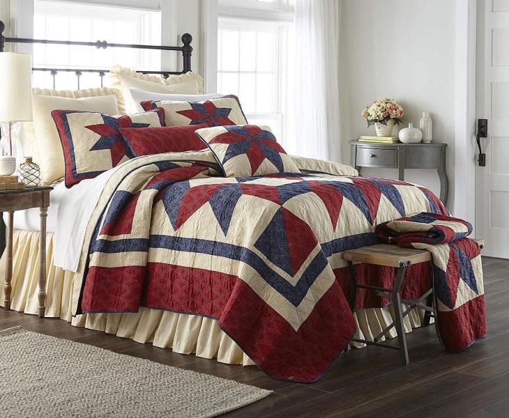 Gatlinburg Star Quilt Country Bedroom