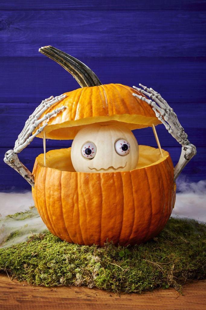 Creative Pumpkin Carving Ideas | Peek-a-Boo Pumpkin
