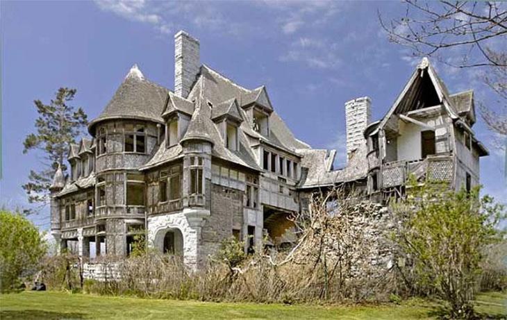 Abandoned Wyckoff Villa, Carleton Island, New York