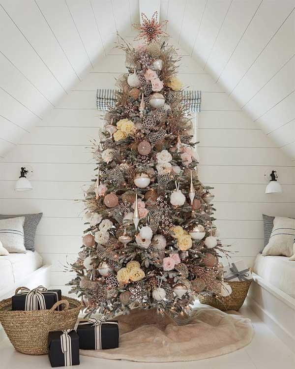 Beautiful Christmas Trees Antique Roses Tree