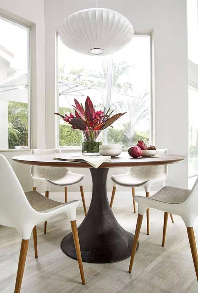 Mid-Century Modern Breakfast Area Design