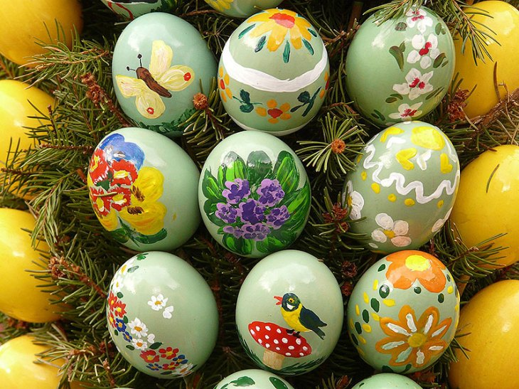 Hand-Painted Spring-Themed Easter Eggs