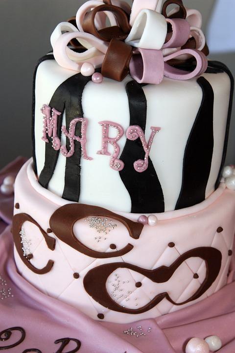 Eleganza Birthday Cake